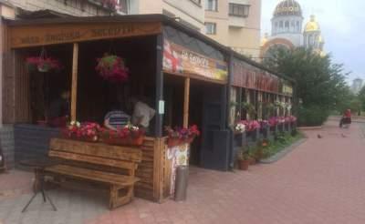 В Киеве снесут летние кафе построенные без разрешения