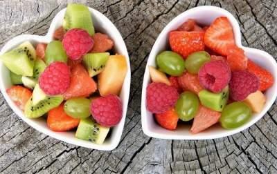 Названы самые полезные овощи и фрукты июля