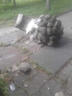 Неподалеку от Львова испортили памятник Пушкину