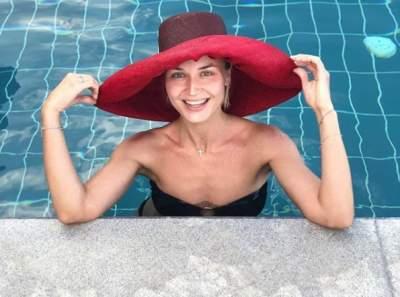 Полина Гагарина удивила торчащими ребрами