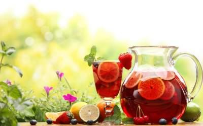 Медики объяснили, почему фруктовые чаи вредят здоровью