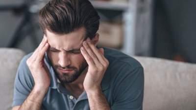 Ученые назвали необычную причину мужской мигрени