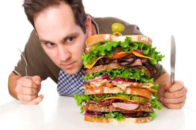 Названа еще одна причина «зверского» аппетита