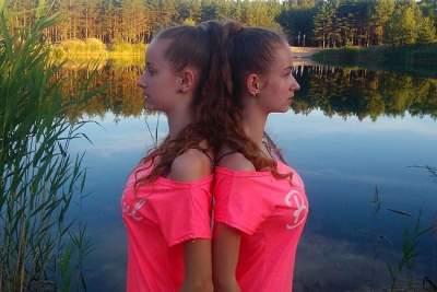 Снимок украинских близняшек покорил Instagram