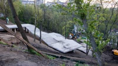 На Старокиевской горе откроют обновленную лестницу