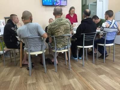 В Киев привезли раненых бойцов: жителей просят сдать кровь