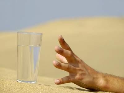 Врачи подсказали, как утолить жажду без вреда для здоровья