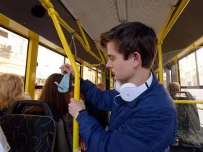 Киевлянам напомнили о подорожании проезда в общественном транспорте