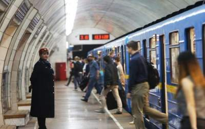 Стало известно, кому принадлежит новый голос киевского метро