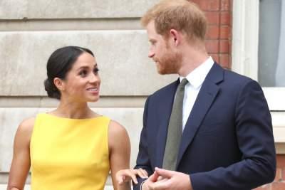 Жена принца Гарри показалась на публике в стильном наряде