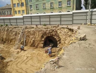 В Херсоне раскопали катакомбы. Фото