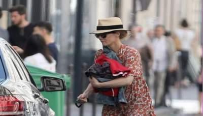 Ванесса Паради прогулялась по Парижу в неподобающем виде