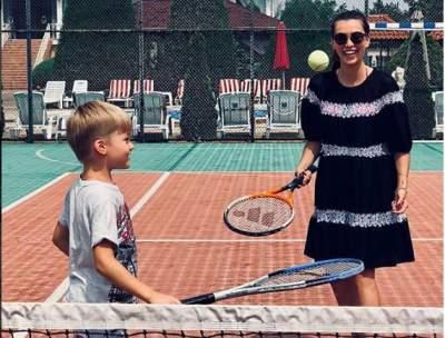 Регина Тодоренко показала, как играет в теннис с племянником