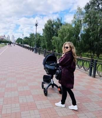 Алена Шоптенко показала снимок семейной прогулки