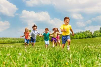Не только свежий воздух: Супрун объяснила, почему детям надо чаще гулять