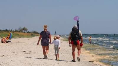 В Минздраве назвали украинские пляжи, на которых запрещено купаться