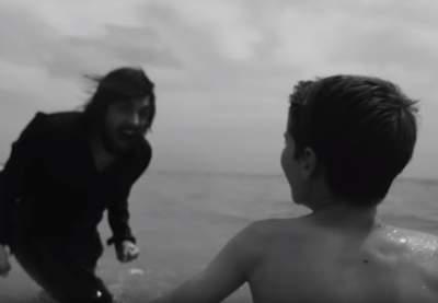 Сальвадор Собрал снял необычный клип на новую песню