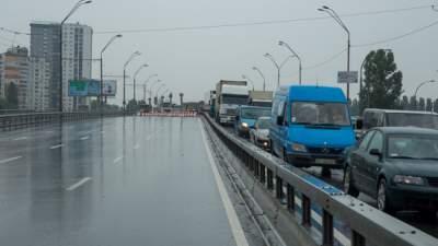 Киевлянам рассказали, когда закончат ремонт улицы Заболотного