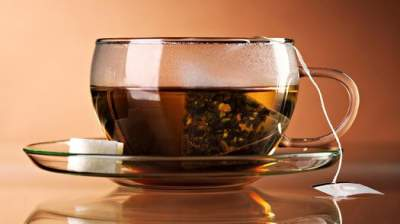 Медики рассказали, почему нельзя пить чай для похудения