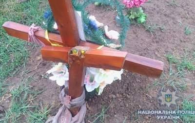 На Одесчине пьяный подросток разгромил 54 могилы