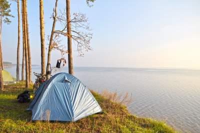 Киевлянам подсказали, где лучше всего отдохнуть с палатками на природе