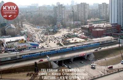 В Киеве из-за «минирования» закрыли станцию «Левобережную»