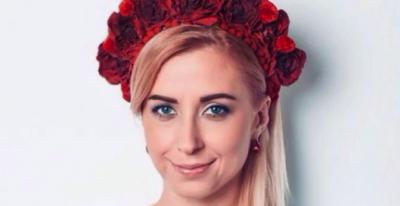 Украинская певица надела вышиванку на выступление в Сингапуре
