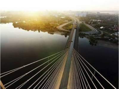 В Киеве на три недели ограничат движение по Южному мосту