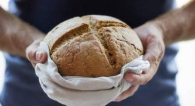 Медики рассказали о вреде и пользе хлеба