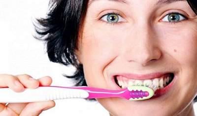 Названа опасность зубной пасты