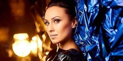 Известная украинская певица полностью обнажилась перед камерой
