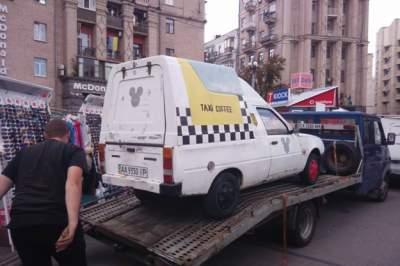 С улиц Киева массово убирают автокофейни