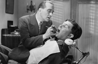 Медики рассказали, чем вредны зубные импланты