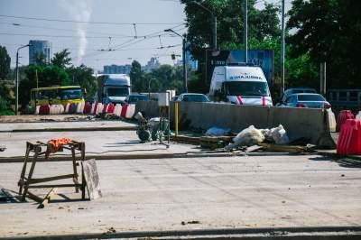 В Киеве ремонтируют три «уставших» моста