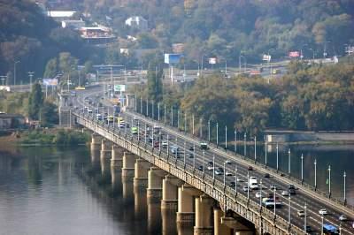 Названы киевские мосты, требующие капремонта