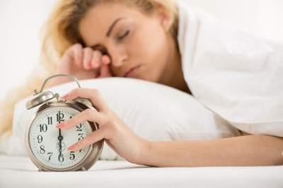 Медики объяснили, почему вредно долго спать