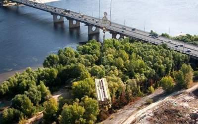 В Киеве ограничат движение на одном из мостов