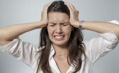 Названы главные причины и способы лечения мигрени
