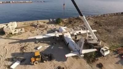Дайверы специально затопили у берегов Ялты Ан-24