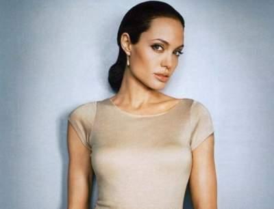 Анджелина Джоли восхитила элегантным образом