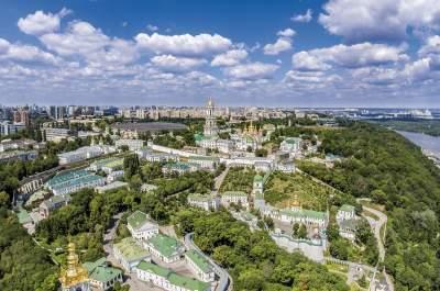 Какие улицы перекроют в Киеве на эти праздники