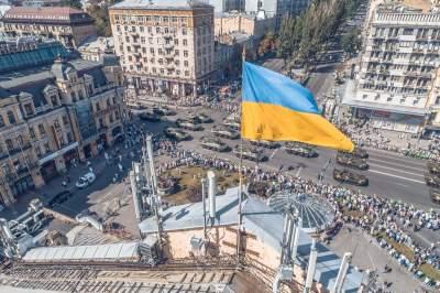 Парад в Киеве прошел без провокаций, - полиция