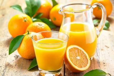 Медики объяснили, почему апельсиновый сок надо пить ежедневно