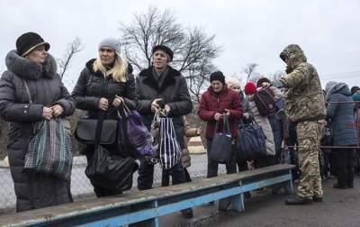 В Кабмине назвали число зарегистрированных переселенцев из Крыма и Донбасса