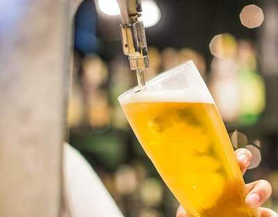 В Украине могут запретить продавать пиво возле учебных заведений