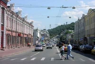 Улицы Киева освобождают от рекламы