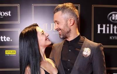 Супруга известного певца поделилась женскими секретами
