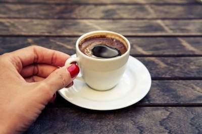 Медики рассказали, кому полезно пить кофе