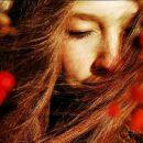 Косметологи рассказали, как ухаживать за волосами осенью
