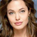 Анджелина Джоли с сыном попала в объектив камер папарацци